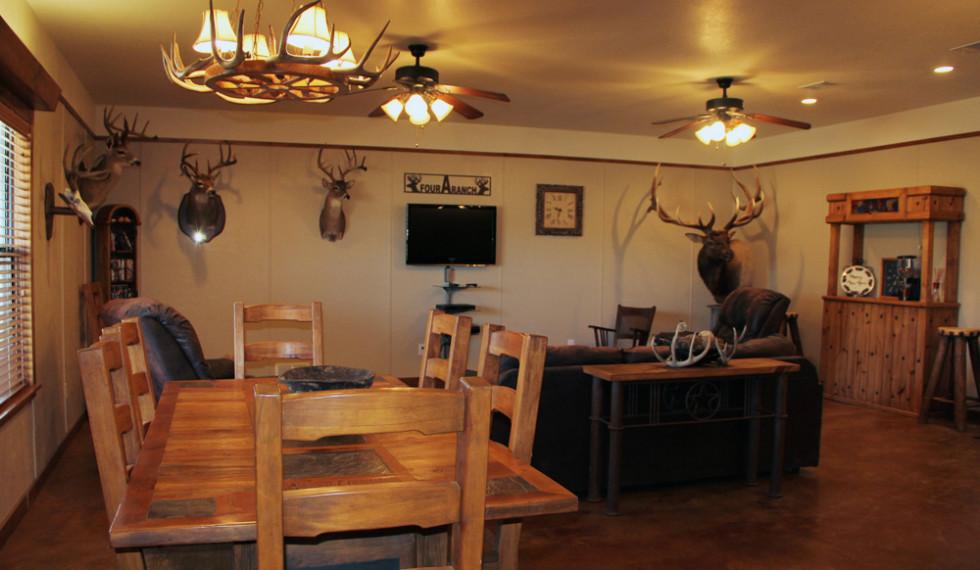 lodge-livingroom2